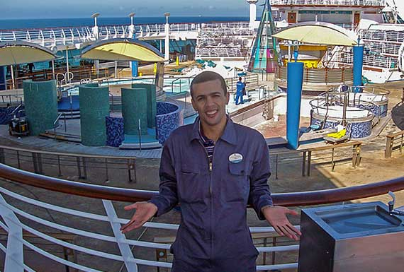crew-member-book-cruise-ship