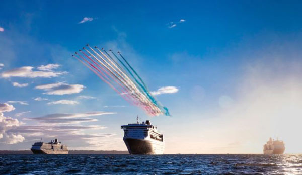 All cunard queens meet in southampton with spectacular red arrows all cunard queens meet in so m4hsunfo