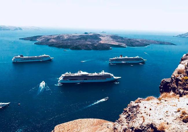 Santorini, Greece Cruise Ship Schedule August-December ...
